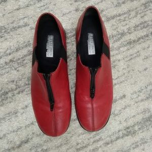 FUN & FUNKY Munro Red Zip Loafers! Sz 9.5